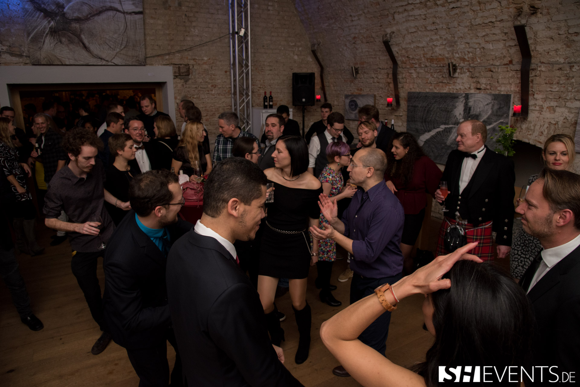 Party im Weinkeller