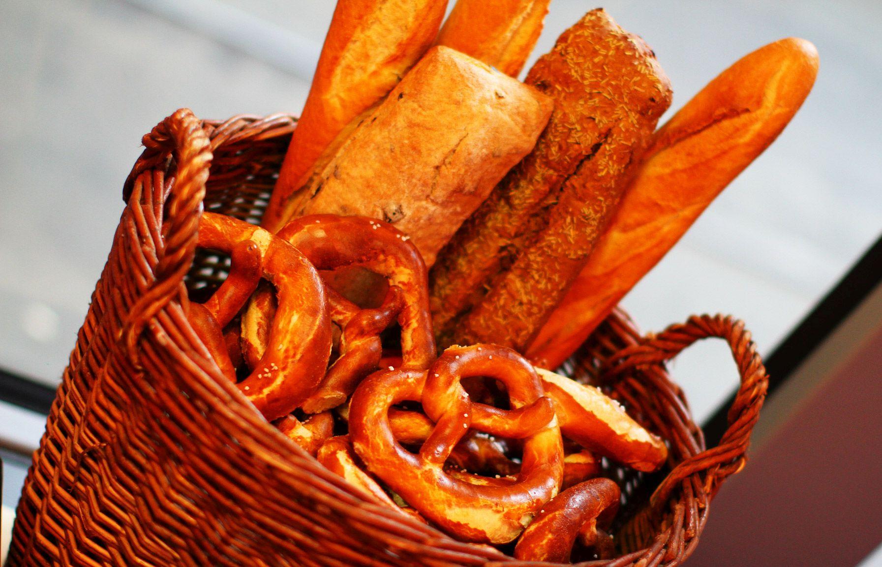 Brot und Brezen Korb