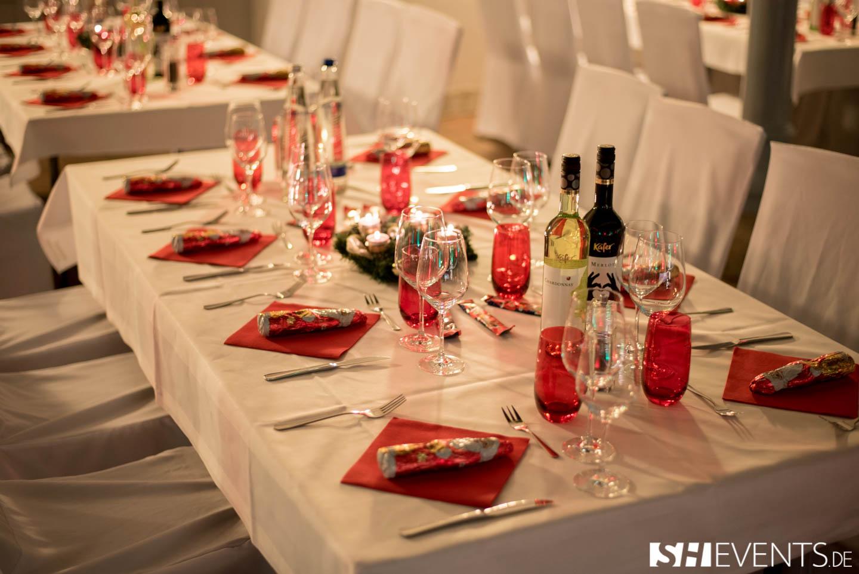Eisernes Haus Event gedeckte Tische