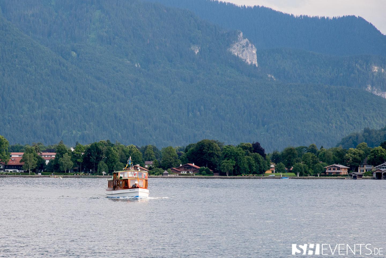 Boot von vorne auf dem Tegernsee