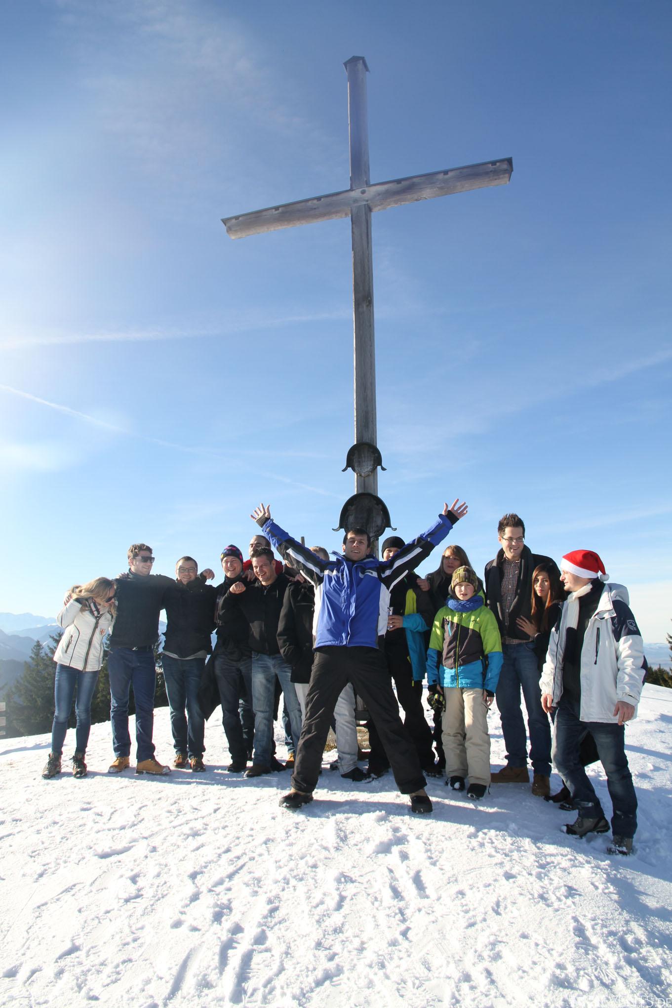Gruppenfoto vor Gipfelkreuz