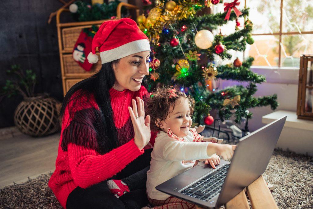 Virtuelle Weihnachtsfeier mit Familie